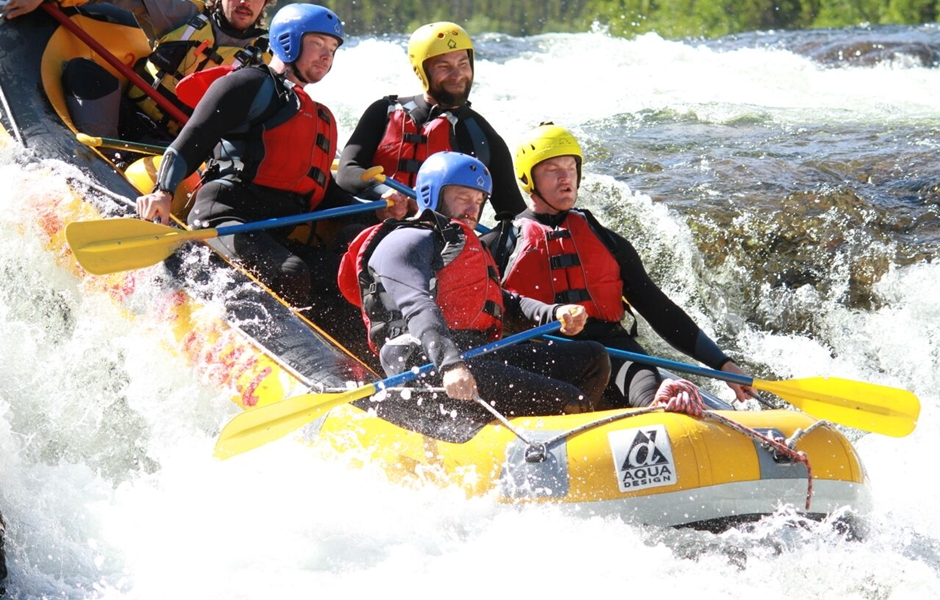 White water rafting in Åre.